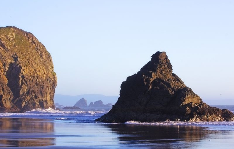 Oplev det klare hav og den smukke natur fra en båd